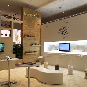 f&f-carousel-symrise-booth
